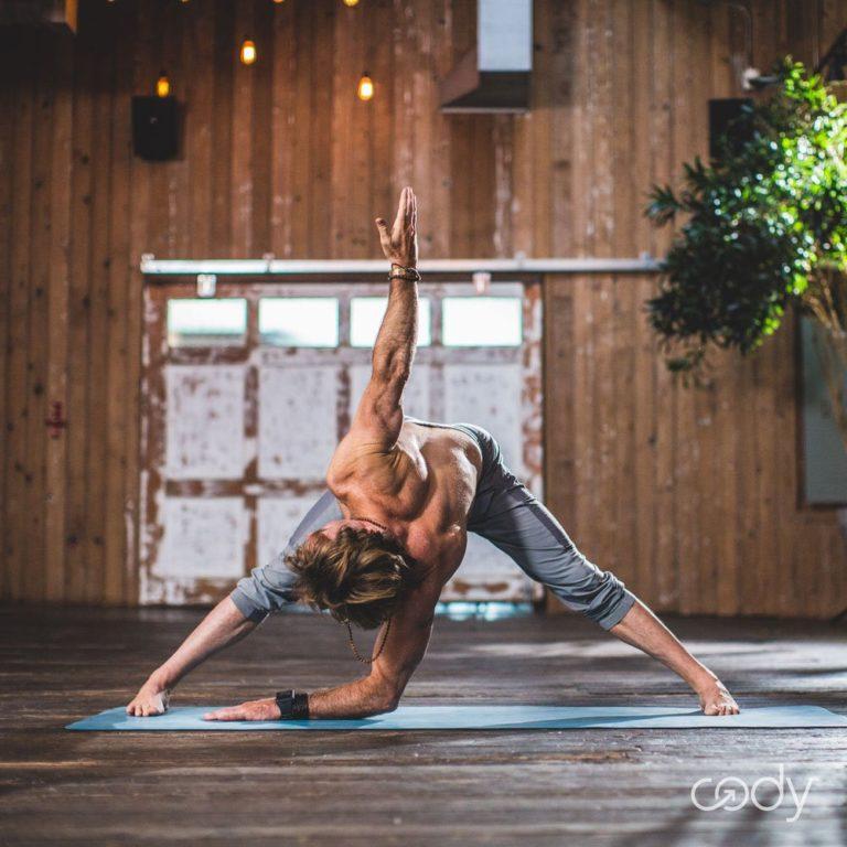 5 Surf-Inspired Yoga Moves
